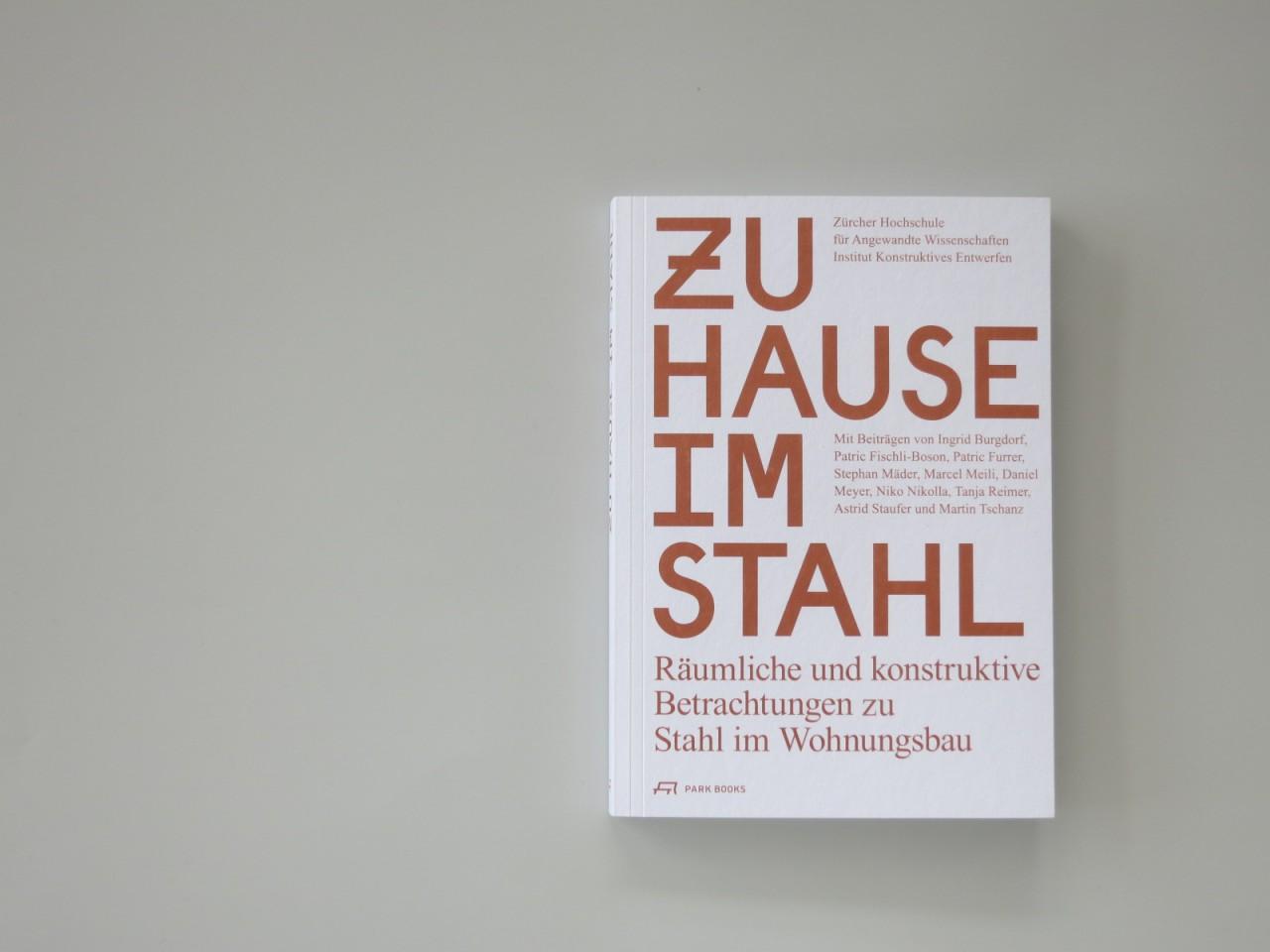 Barbara  Hoffmann Zu Hause im Stahl